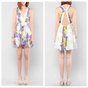 Alice + Olivia Dresses - 🎉 ALICE + OLIVIA SILK PLEATED DRESS